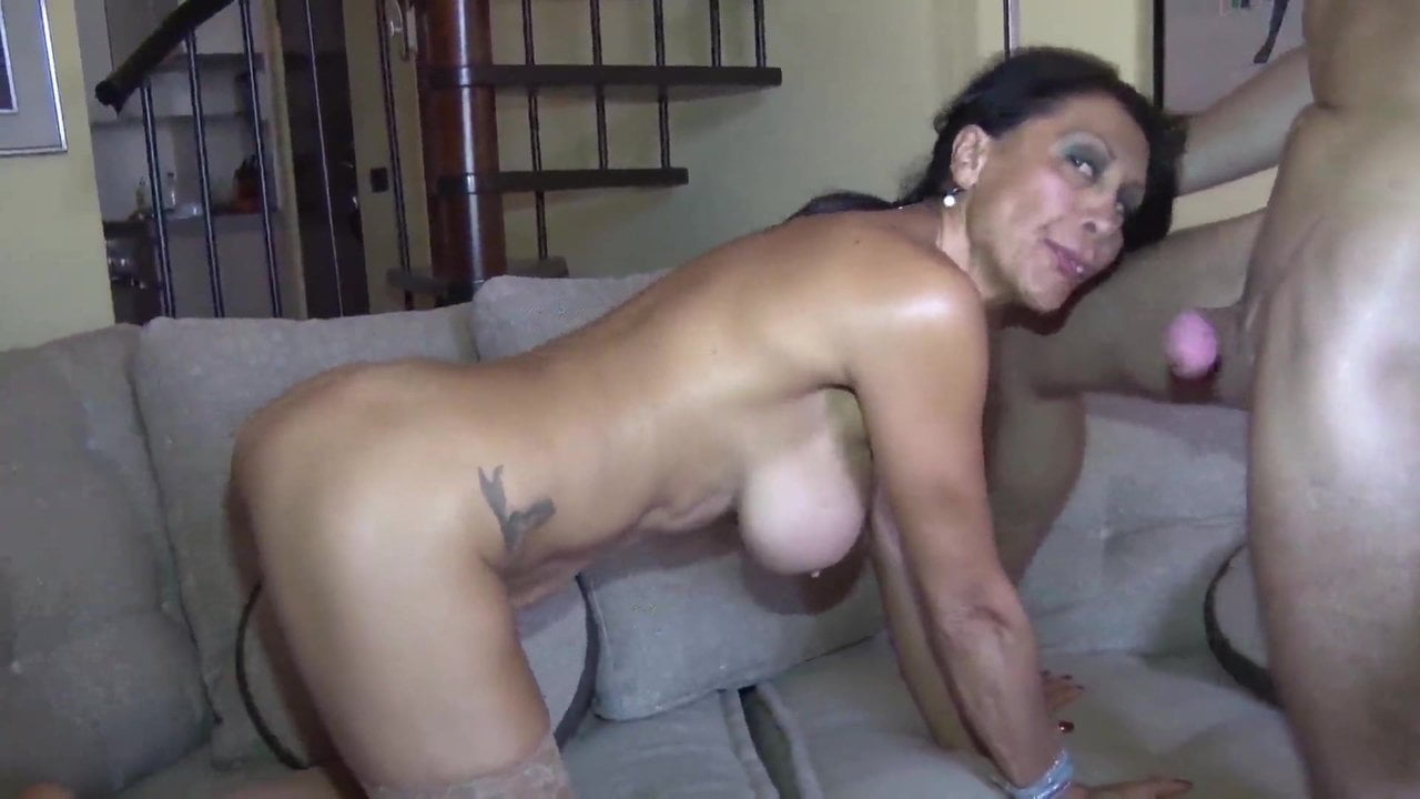 Mature whore playing with her slit