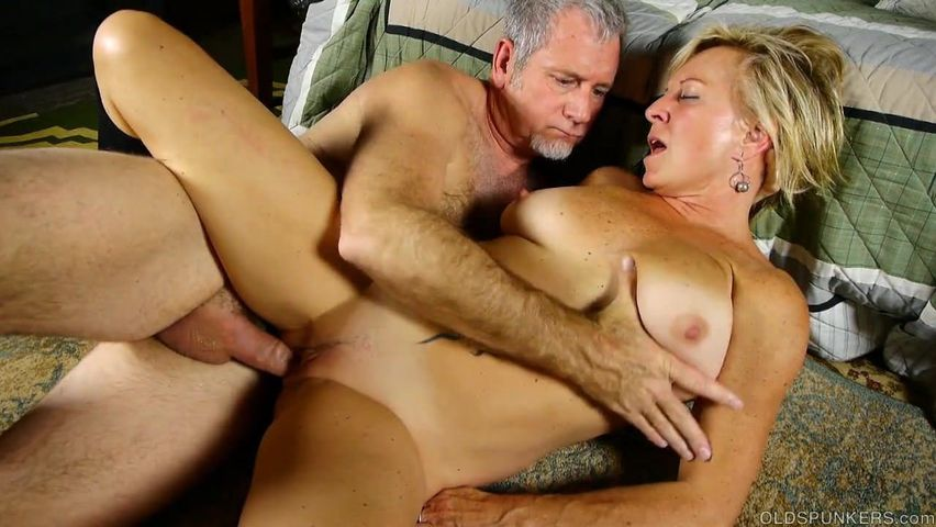 Blonde Mommy With Saggy Tits Gets Drilled By An Old Fart