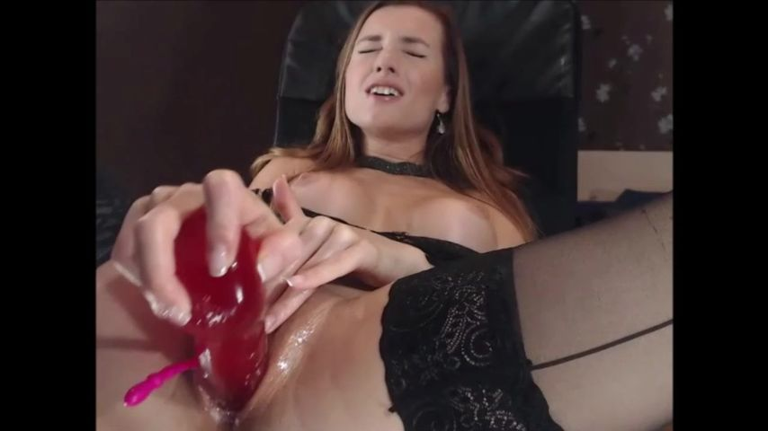 Fit Girl Wakes Up Dildos Pussy