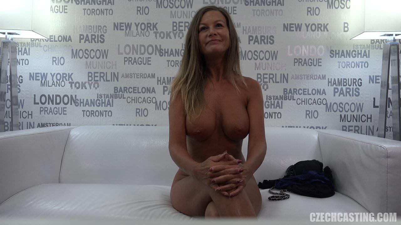 Hot Milf porno με Νεαρό στον καναπέ · Lex 3 years ago.