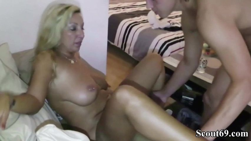 Real Homemade Horny Milf