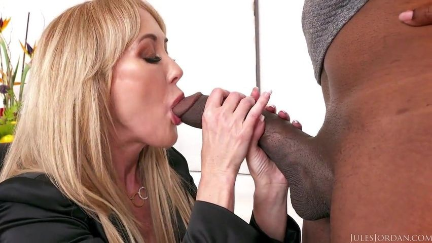 White Slut Rides Huge Bbc