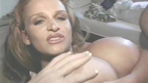 Καυτά Busty MILFs πορνό